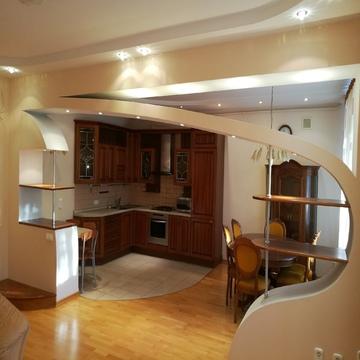 Эксклюзивная 4-комнатная с евроремонтом и мебелью. - Фото 1