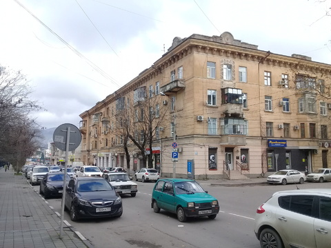 """Продажа 3 ком кв """"сталинка"""" в центре города. - Фото 1"""