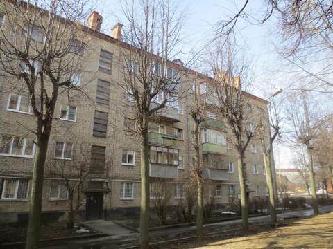 Сдам 2 к. кв. в г. Серпухов, 1й Оборонный переулок д. 8. - Фото 1