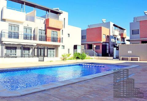 3-уровневый таунхаус с круглогодичным бассейном, двором и солярием - Фото 1
