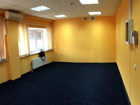 Офис в аренду, 50кв.м. ул. Белинского, есть парковка. Нов. дом, центр. - Фото 2