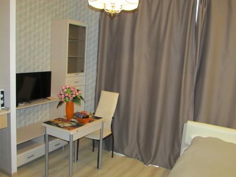 Предлагаю в посуточную аренду апартаменты-студио с балконом и кроватью - Фото 1