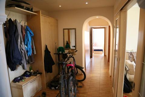 Продажа отличной видовой 3-ех комнатной квартиры общей площадью 67. 8 - Фото 3