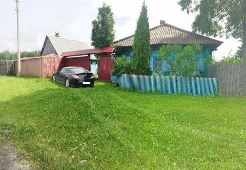 Дом с большим земельным участком в центре деревни! - Фото 1