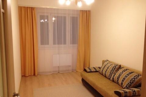 Сдам на длительный срок двухкомнатную квартиру с мебелью. - Фото 1