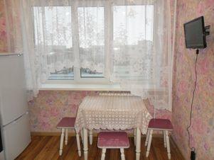 Аренда квартиры посуточно, Нижневартовск, Ул. Маршала Жукова - Фото 1