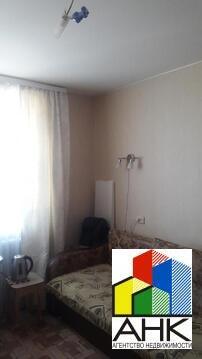 Продам комнату в 8-к квартире, Ярославль город, улица Нефтяников 3к2 - Фото 1