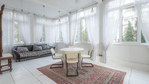 Продается квартира в доме – памятнике архитектуры в центре Ялты - Фото 1