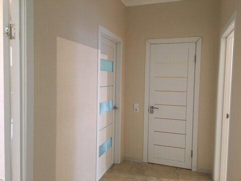 Двухкомнатная квартира с ремонтом в Изумрудных Холмах - Фото 2