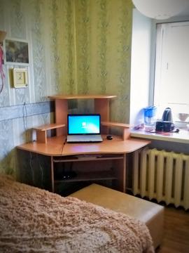 Архивная комната 11 м2 в пятикомнатной квартире ул Мамина-Сибиряка, д . - Фото 2