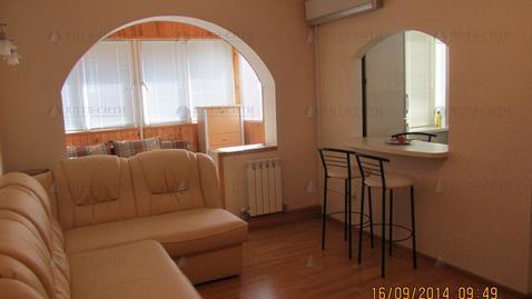Продается двухкомнатная квартира в тихом районе - Фото 1