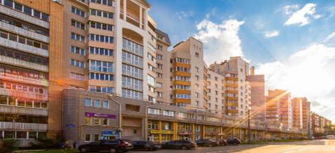Продаю новую 2 комн. кв. Московская пл. 66,2 кв.м. Кирпичный дом - Фото 1