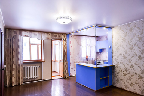 Продажа двухкомнатной квартиры со свежим ремонтом. - Фото 1