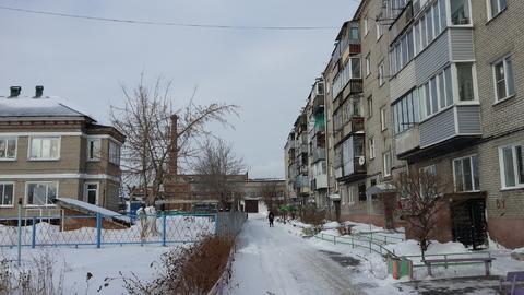 Комната в 3-к, пер. Малый Прудской, 37, Купить комнату в квартире Барнаула недорого, ID объекта - 700874304 - Фото 1
