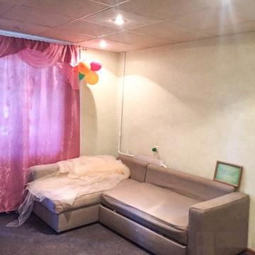 Сдается 3-х комнатная квартира 64 кв.м. ул. Аксенова 15 на 2 этаже. - Фото 1