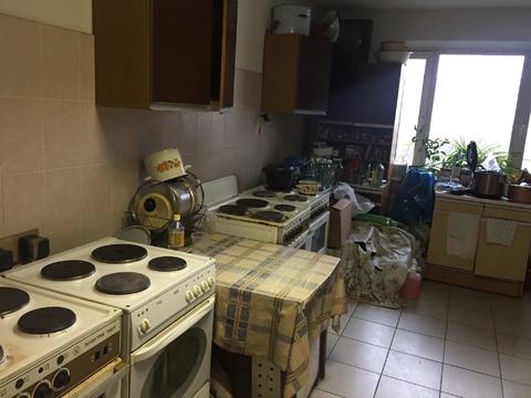 Продаются две комнаты в коммунальной квартире, пр. Энтузиастов, д.39 - Фото 1