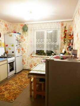 Трехкомнатная Квартира Область, улица Комиссаровская, д.1, Новогиреево . - Фото 1