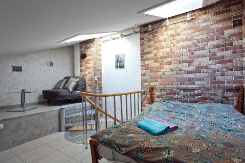 Двухуровневая квартирка с мансардой и отдельным входом в центре - Фото 2