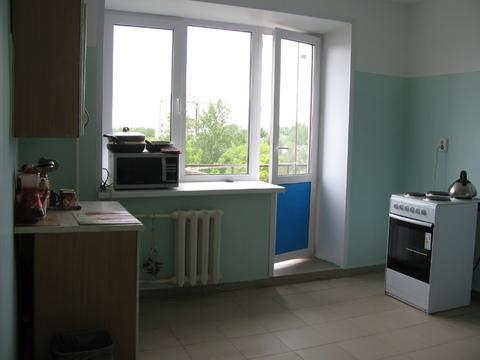 Комната 17.6 кв.м, на ул. Труфанова 30 корп.4, 7/9 эт. кирпич - Фото 1