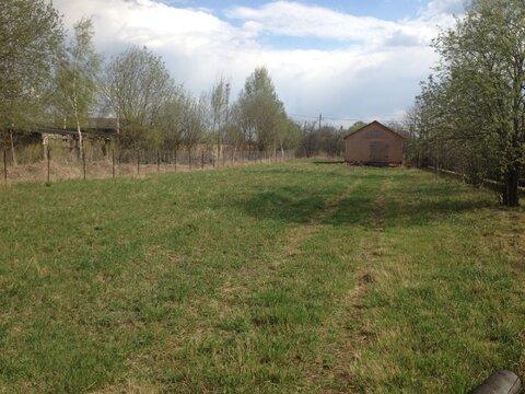 Продаётся земельный участок 12 соток в д. Новая, со строением - Фото 1