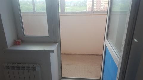 Продается однокомнатная квартира по адресу: г. Щелково мкр. Богородский д. 1, общей площадью 30м2, кухня 8м2, жилая 15м2, квартира находится на 6-ом этаже 16-ти этажного монолитно-кирпичного дома, с/у совмещен, сделан пред чистовой ремонт(выровнены стены, сделали стяжку полов, разведена электрика) установлена хорошая входная дверь, стоят стекло пакеты, установлены счетчики на воду, квартира абсолютно новая, прекрасный вид из окна, все необходимое находится в шаговой доступности, магазины, аптека, банки, школа, детский сад, игровые площадки, рядом растет сосновый лес и два озера, отличное сообщение с Москвой. Лучшая цена на рынке. Один собственник. Никто не прописан. Возможна ипотека.