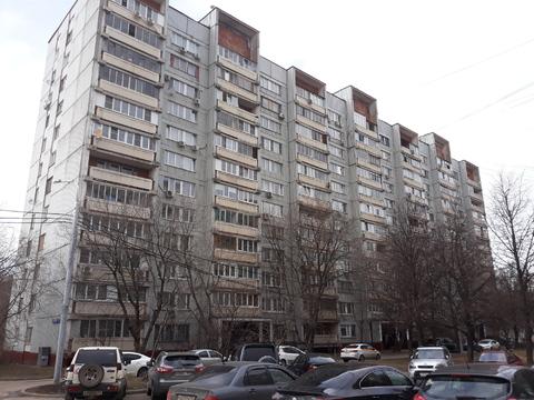 Продажа 2 комнатной квартиры в Москве, район Раменки, метро Минская - Фото 1