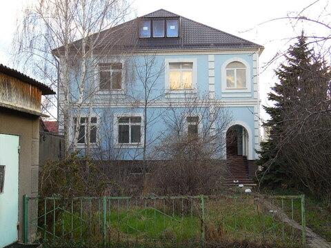 Два дома на ул. Залесской общ.пл. 750 м.кв .на участке 19 соток - Фото 2