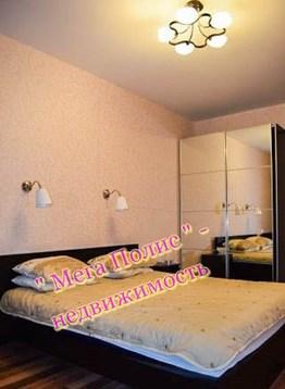 Сдается 2-х комнатная квартира в новом доме 80 кв.м. ул. Калужская 22 - Фото 1