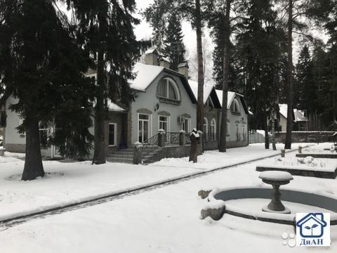 Продается дом 700 м2 с участком 50 соток в п. Ильинский, Раменский р-н - Фото 1