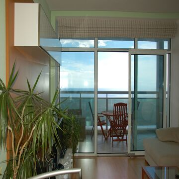 Видовая квартира-студия в современном жилом комплексе в поселке Кореиз - Фото 4