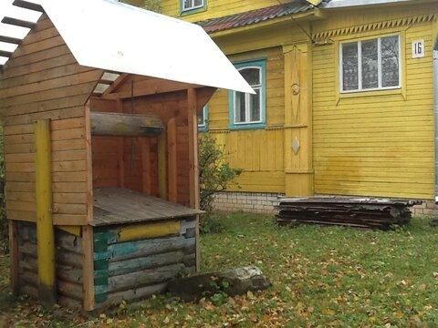 Продается крепкий дом с новым фундаментом и газом в центре поселка. - Фото 2
