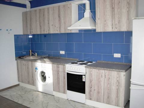 Продам 2 ком квартиру 74м2, в Центре, район Магеллан - Фото 1