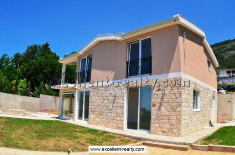 Buy a house in Bari, on the coast inexpensively