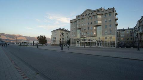 Эксклюзивная квартира в самом сердце города Новороссийска., Купить квартиру в Новороссийске по недорогой цене, ID объекта - 316868296 - Фото 1