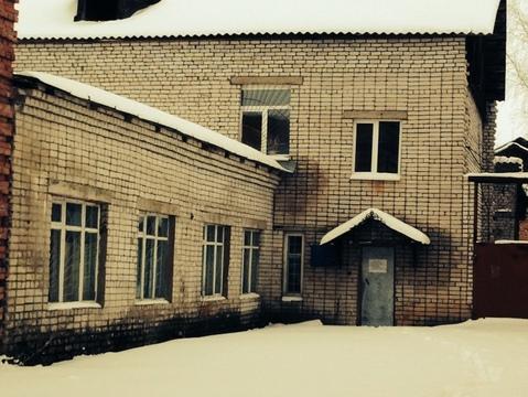 Здание в центре Осташкова на оз.Селигер - Фото 1