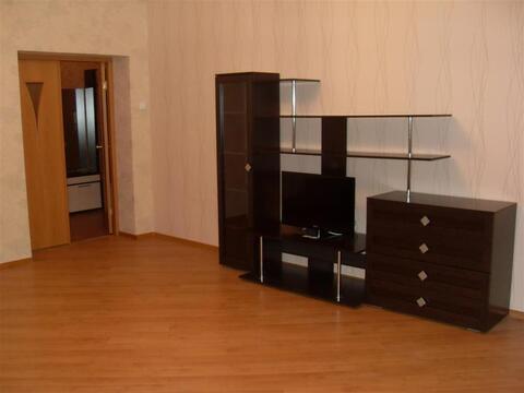 Улица Стаханова 8а; 2-комнатная квартира стоимостью 23000 в месяц . - Фото 1