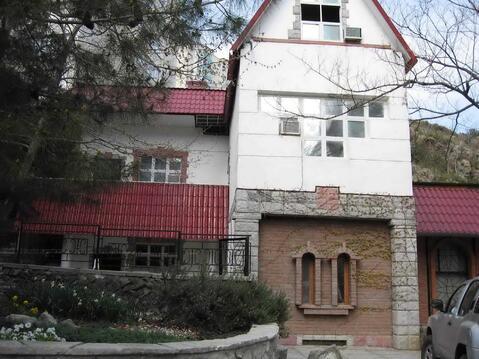 Частный пансионат в Алуште п.г.т. Партенит - Фото 1