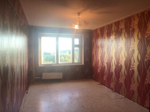 Трехкомнатная квартира в п.Балакирево, Юго-Западный кв-л, д.19 - Фото 1