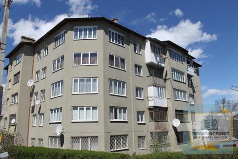 Купить двухкомнатную квартиру 50 кв.м в райлне рынка - Фото 1