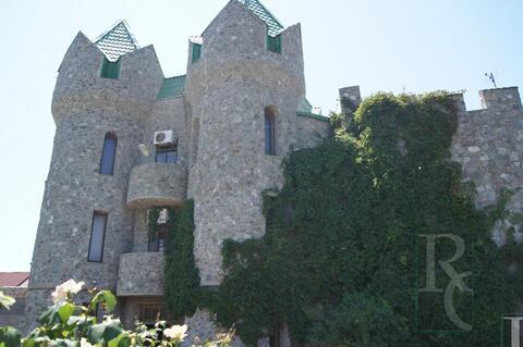Дом Замок в бухте Казачьей - Фото 1