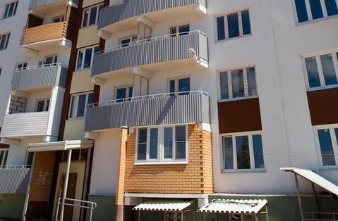 Недорогая двухкомнатная квартира на среднем этаже в «Солнечном»! - Фото 1