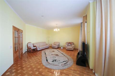 Улица Угловая 15; 4-комнатная квартира стоимостью 50000 в месяц . - Фото 1
