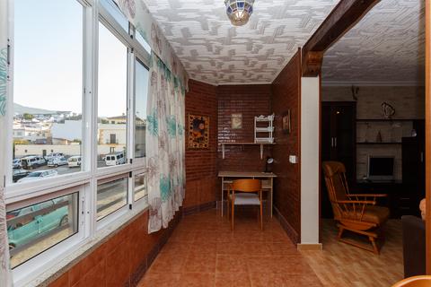 Продаю Очаровательную и просторную квартиру в Велес-Малага, Испания - Фото 2