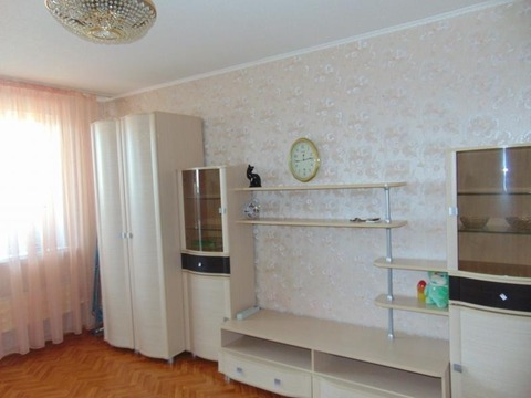 Сдается 1-ком квартира Артем, Фрунзе, 65 - Фото 1
