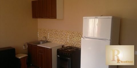 Сдается квартира-студия 32 кв.м. на 2 этаже в 4-х этажном доме по адре - Фото 1