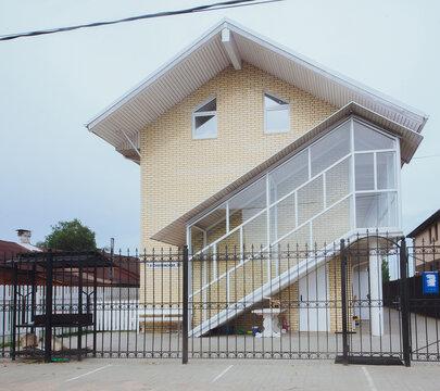 Продам 3-комнатную квартиру, 70м2, ул.1-я смоленская 30, заволжский р - Фото 1