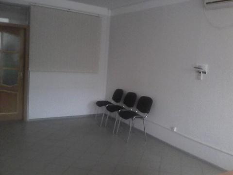 Помещение на первом этаже офисного здания, 450р/кв.м. Район Малыша - Фото 5