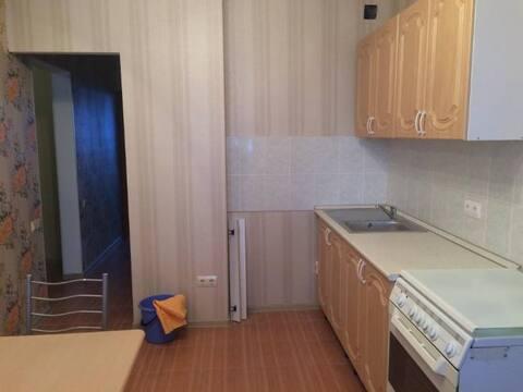 Продажа двухкомнатной квартиры на Хрустальной улице, 44к6 в Калуге, Купить квартиру в Калуге по недорогой цене, ID объекта - 319812745 - Фото 1