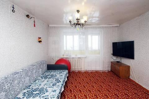 Продается просторная двухкомнатная квартира - Фото 1