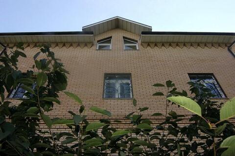 Кирпичный дом с бассейном. - Фото 2